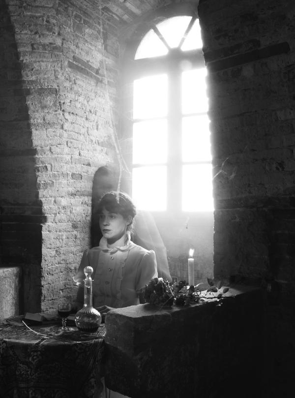 Image de la série Nous serons toujours les fantômes de votre vie de Thérèse Pitte Photographe Plasticienne